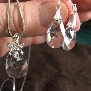 Jewelry - Silver necklace w/teardrop pendant &earrings